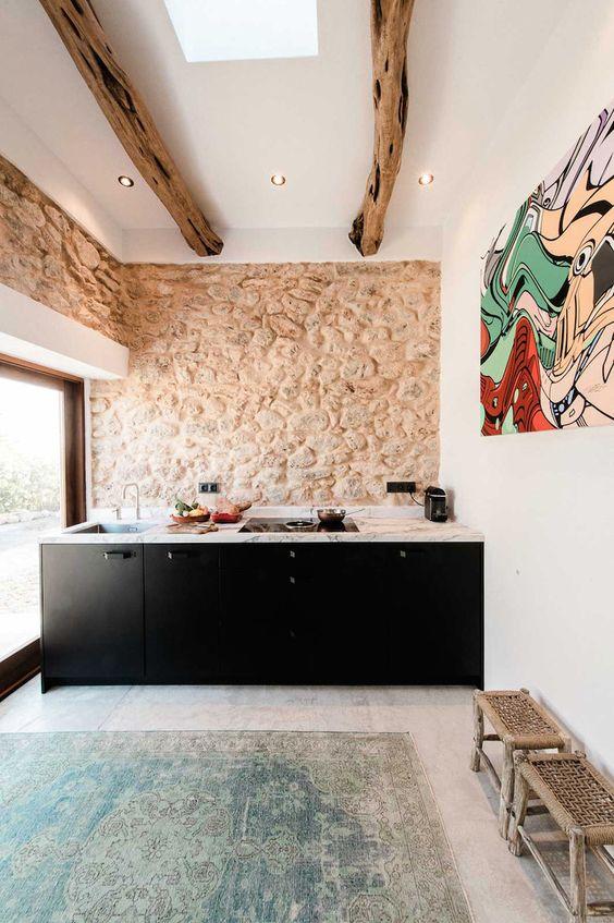 claves-cocina-pared-piedra-vista-11