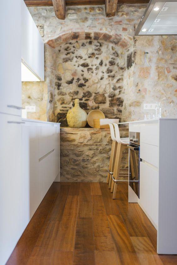 claves-cocina-pared-piedra-vista-03