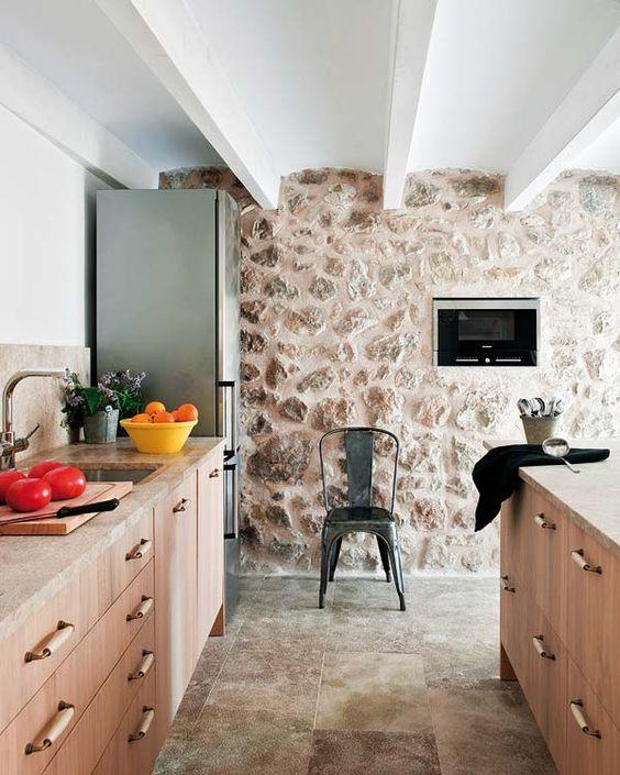 claves-cocina-pared-piedra-vista-05